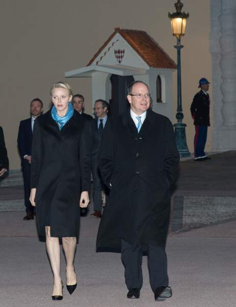 """Albert et Charlène of Monaco arrivent à l'opération """"Push the Button, Palace in blue'"""