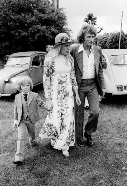 Juin 1974 : Sylvie Vartan et Johnny Hallyday avec leur fils David