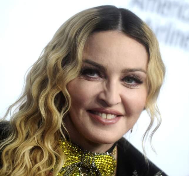 Ces stars qui ont VRAIMENT abusé de la chirurgie esthétique : Madonna après