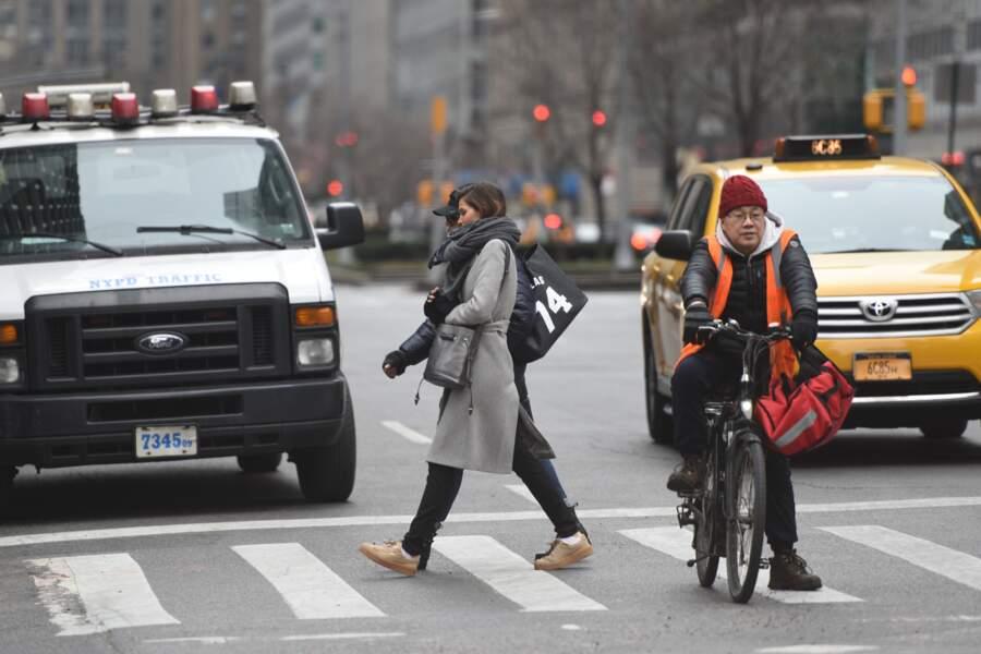 Iris Mittenaere à New York : traverser l'une des avenues les plus célèbres au monde