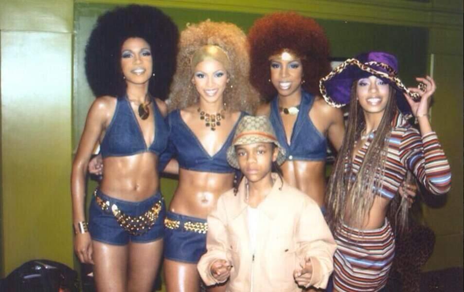 Reconnaissez-vous cette jeune femme chapeauté à droite des Destiny's Child ?