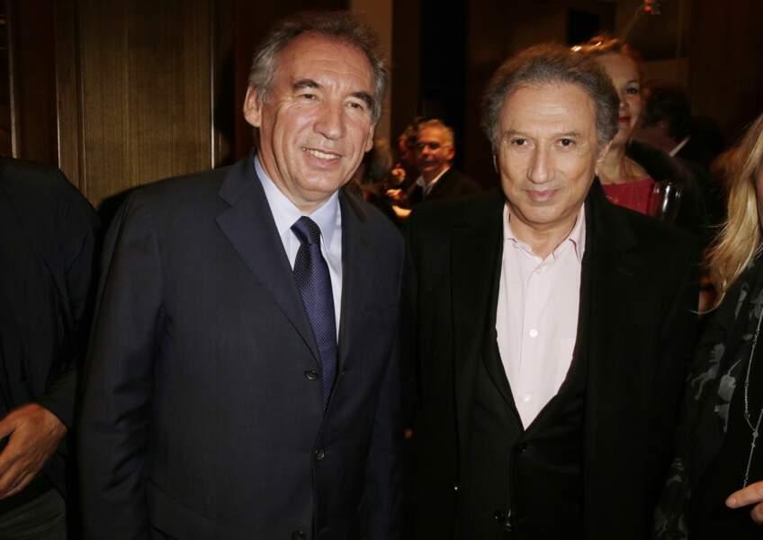 Michel Drucker, de son côté, a posé avec François Bayrou