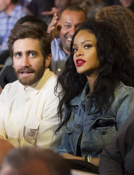 Jake Gyllenhaal s'installe à côté d'une nouvelle voisine: Rihanna