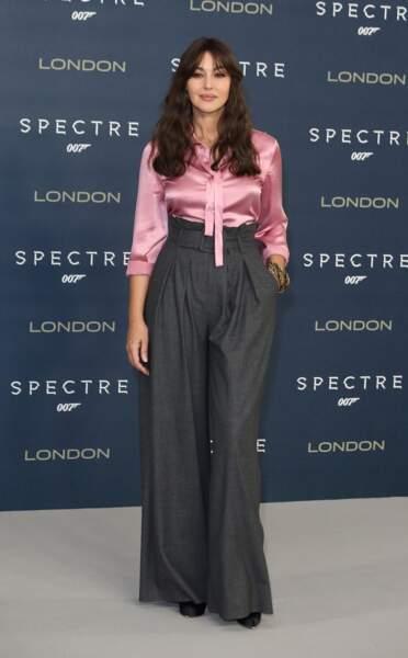 Les do de la semaine : le pantalon large - Monica Bellucci