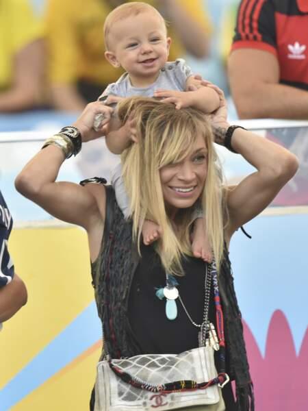 Fiona Cabaye et sa fille Charlize en juillet 2014