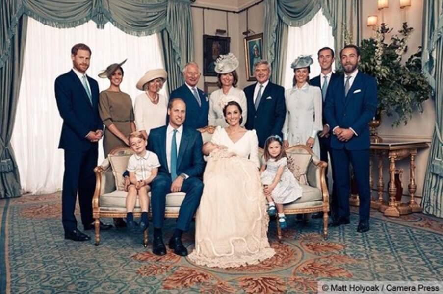 Portrait officiel : La famille royale et les Middleton pour le baptême du prince Louis, à Clarence House