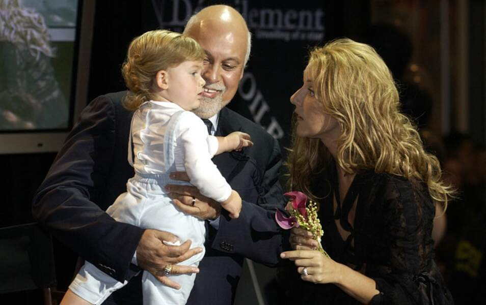 Le couple accueille son premier enfant, René-Charles en 2001