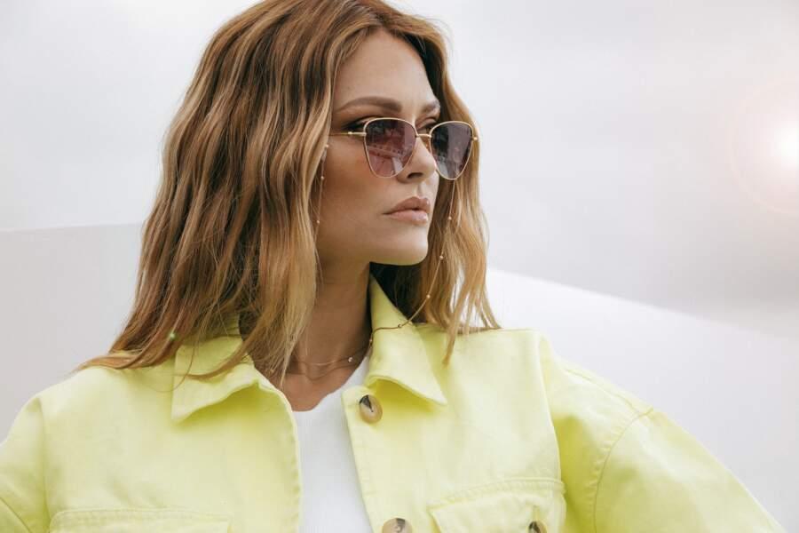 Caroline Receveur crée sa paire de lunettes de soleil en collab avec la marque Kapten & Son.