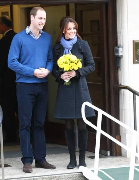 En décembre 2012, suite à son hospitalisation en raison de fortes nausées, ils officialisent la grossesse de Kate