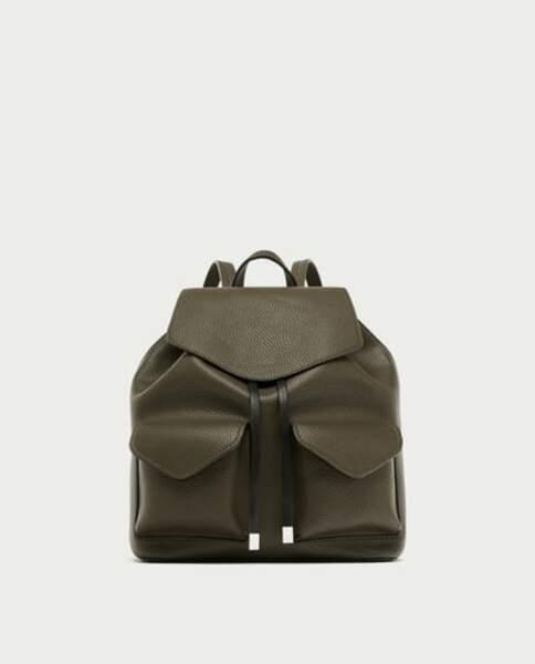 Zara : Sac à dos avec poches kaki, 12,99 euros au lieu de 15,99 euros