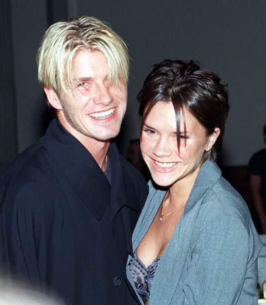 David Beckham en 1998: longueurs blondes et raie au milieu comme sa girlfriend Victoria