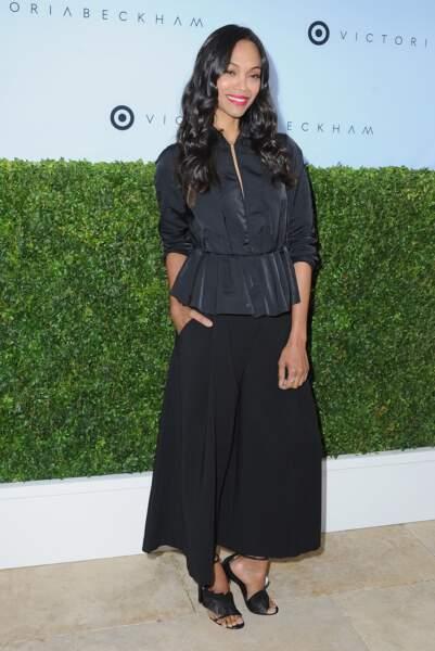 Zoe Saldana a 40 ans : en jupe culotte