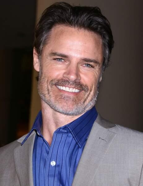 Dylan Neal, 44 ans, interprètera Bob Adams dans l'adaptation du roman érotique Cinquante nuances de Grey