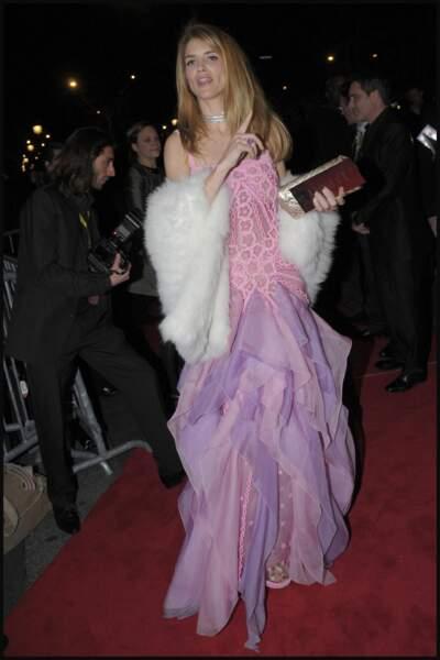 Soirée des nominés, 2008, le drame : les tenues d'Alice Taglioni et Paris Hilton sont échangées
