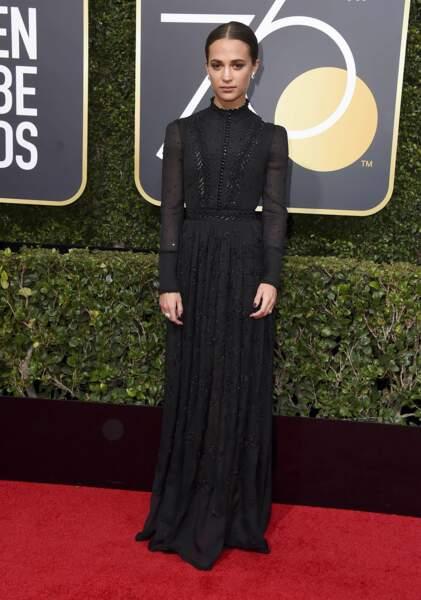 Alicia Vikander en Louis Vuitton lors de la 75e cérémonie des Golden Globes, le 7 janvier 2018