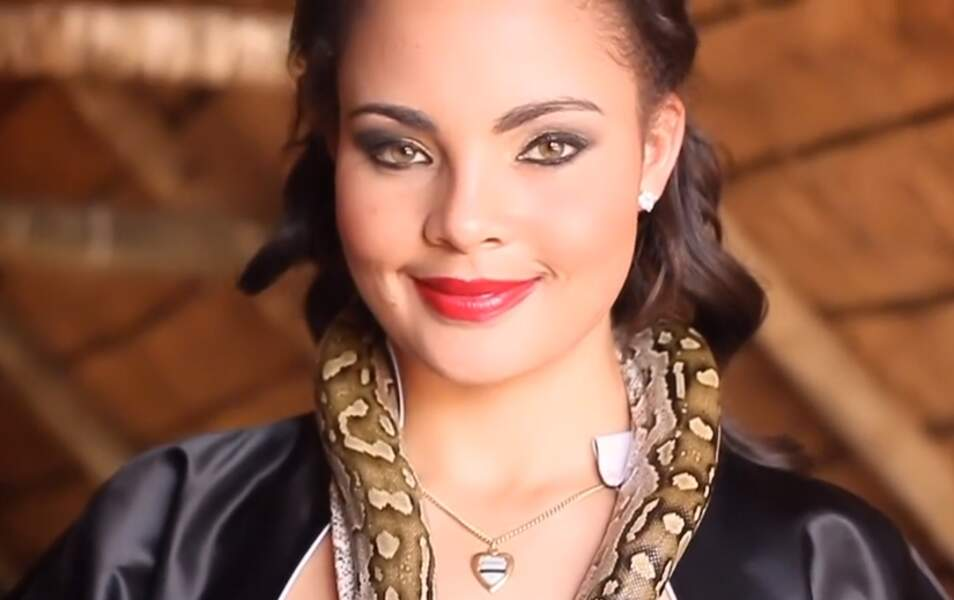 Miss Botswana Rosemary Keofitlhetse, 20 ans, 1m71