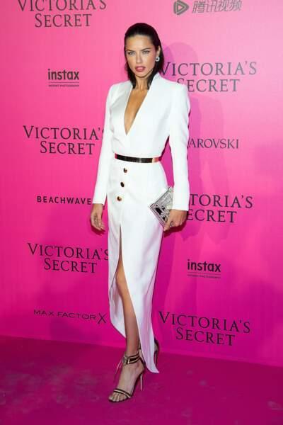 Défilé Victoria's Secret : Adriana Lima