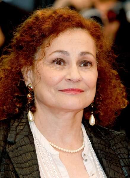 C'est la consécration pour Catherine Arditi, soeur du comédien Pierre Arditi, aussi nommée au grade de chevalier