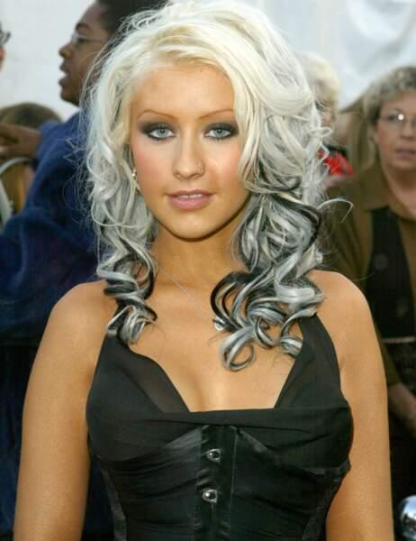 Christina Aguilera, poupée rock en 2003...