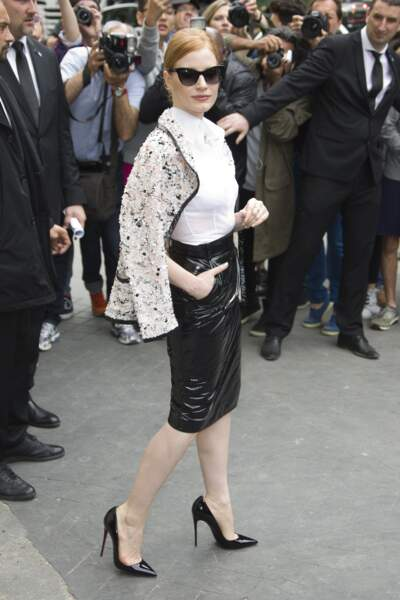 Défilé Chanel Haute Couture : Jessica Chastain ultra chic