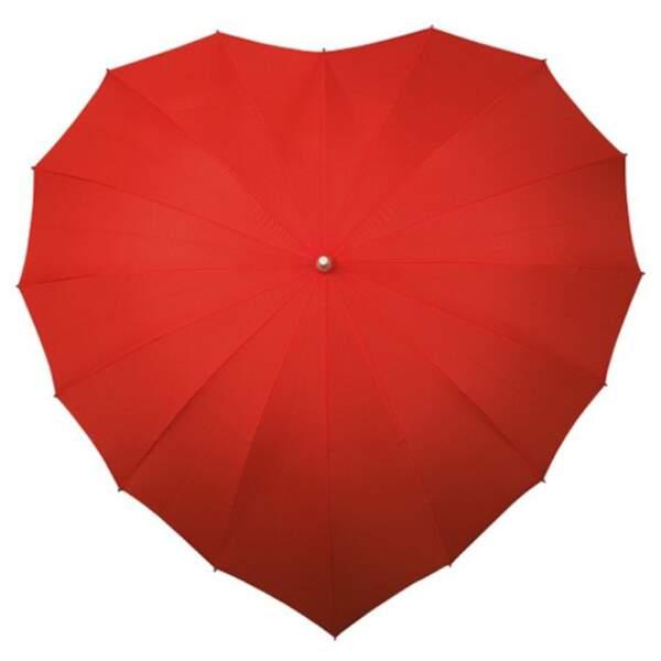 Parapluie en forme de cœur. 19,90€, www.ideecadeau.fr Blush, 34€, Paul & Joe.