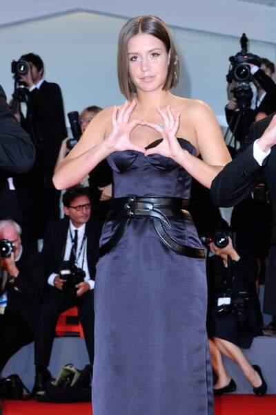 Adèle Exarchopoulos sur le tapis rouge à la Mostra de Venise