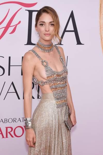 CFDA Fashion Awards : Sofia Sanchez et son plastron métallique piqué à la costumière de Games of Thrones