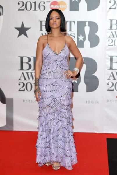Rihanna qui, pas de bol, avait la robe la plus ugly et la moins flatteuse du red carpet