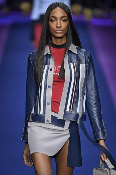 Défilé Versace printemps-été 2017 : Jourdan Dunn