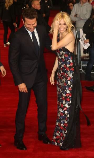 Bradley Cooper et Sienna Miller complices durant l'avant-première