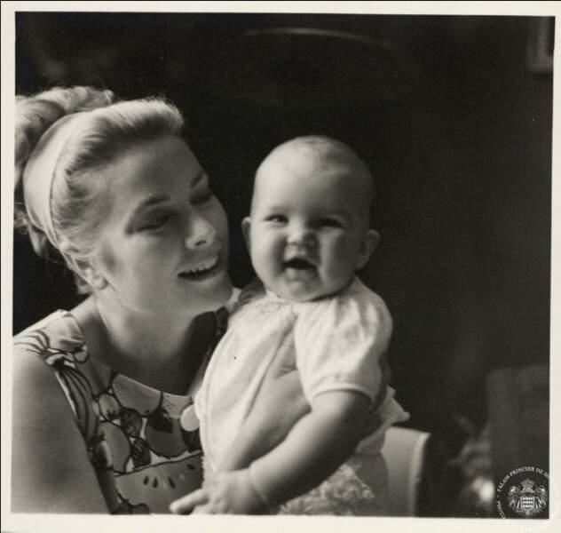 La princesse Grace et la princesse Stéphanie
