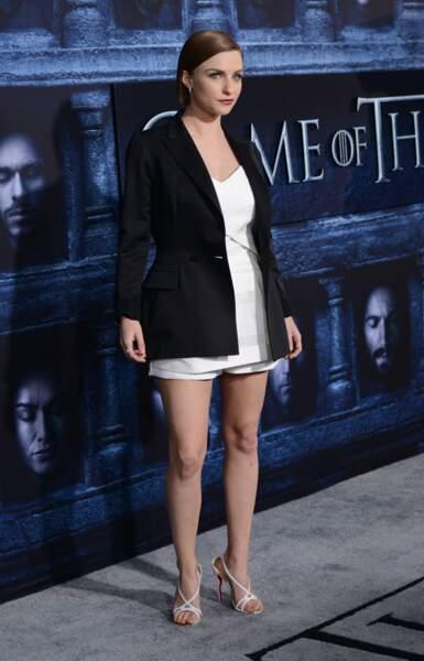 Faye Marsay (une jeune femme des sans-visages de Game of Thrones)
