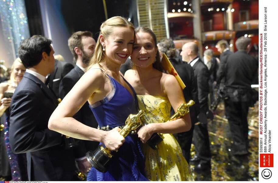Hier, dans les backstage de la cérémonie : Brie Larson et Alicia Vikander étaient « sœurs d'Oscars »