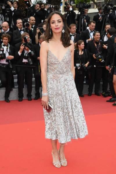Bérénice Bejo dans une robe très décolletée