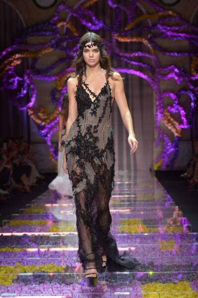 Kendall Jenner défilait