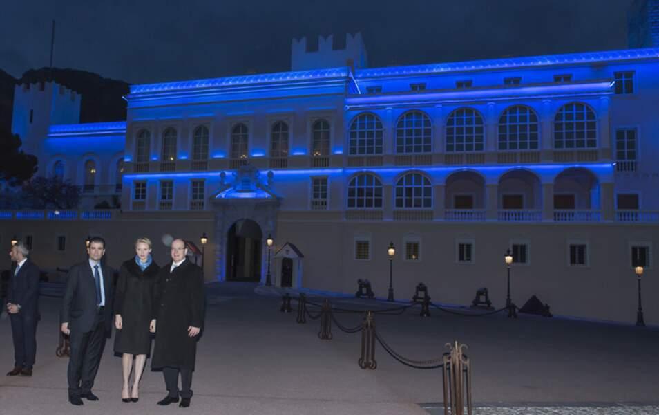 Le Palais est illuminé de bleu, couleur de l'association monégasque de lutte contre l'autisme