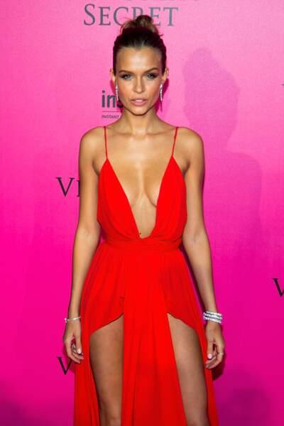 Défilé Victoria's Secret : le nouvel Ange de Victoria's Secret Josephine Skriver