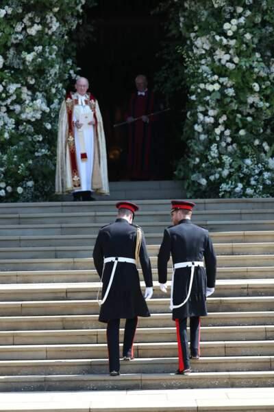Le prince William et le prince Harry devant la chapelle Saint-George
