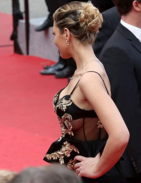 Eleonore Boccara (qui a des petits soucis de bustier...)