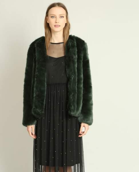 Pimkie : 35 articles soldés sur lesquels on craque : Manteau en fausse fourrure, 25 euros au lieu de 49,99 euros