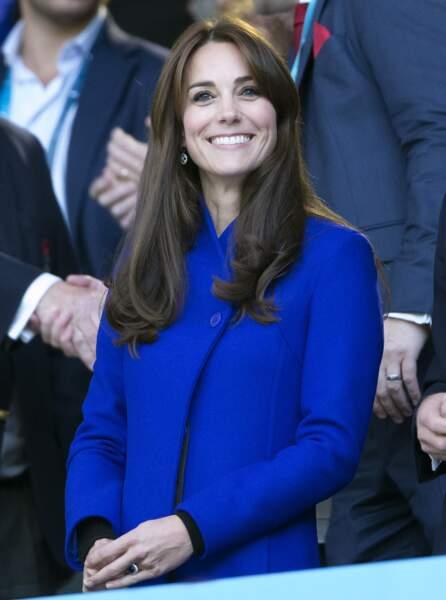 Kate est rayonnante pour soutenir son équipe