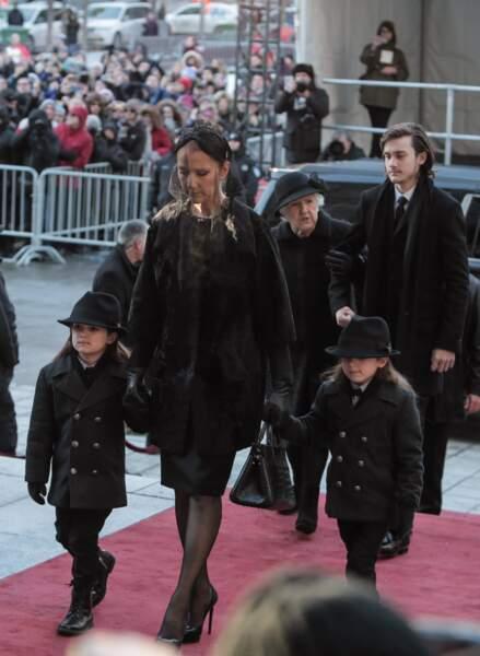 Ces stars parents de jumeaux : Céline Dion avec Nelson et Eddy lors des obsèques de René Angelil en janvier 2016