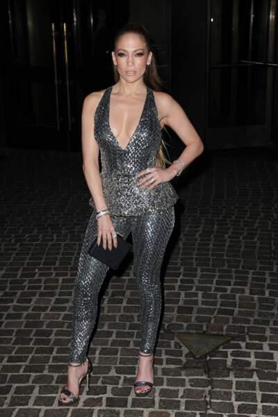 Jennifer Lopez en mode boule à facettes
