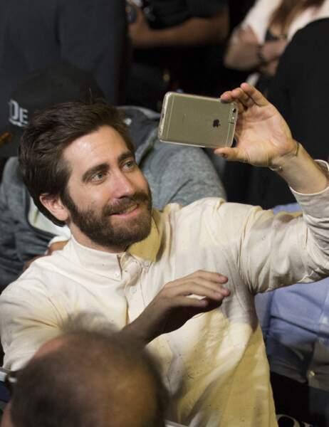 Un petit selfie pour Jake Gyllenhaal