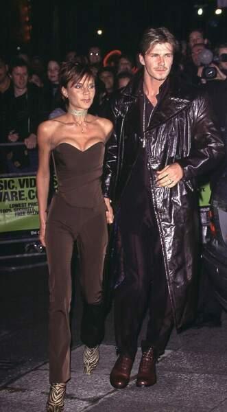 David Beckham en 2000: il copie le look d'Highlander (et Victoria celui d'un Mars)
