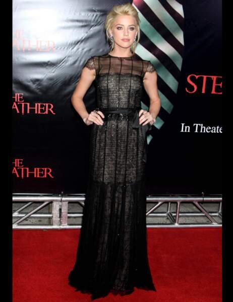 Amber Heard dans une création de la Renta