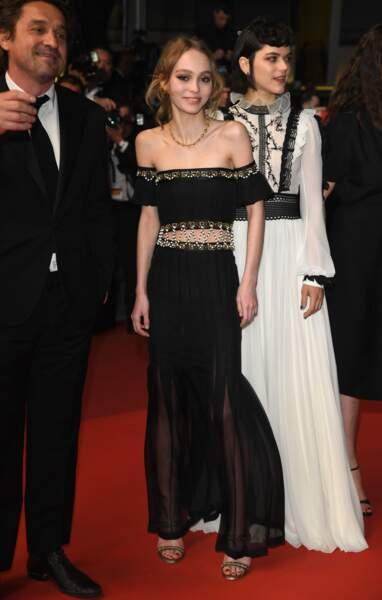 Lily-Rose Depp, bel oiseau de nuit en Chanel