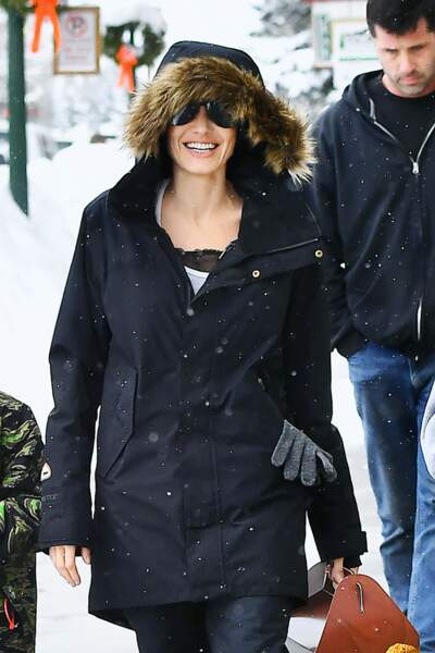 Angelina Jolie : sourire jusqu'aux dents sous la neige du Colorado