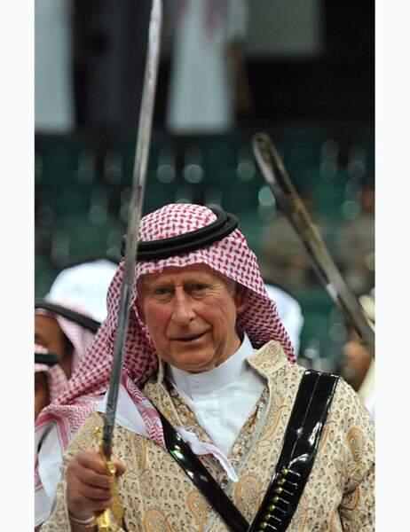 Il brandit fermement son épée