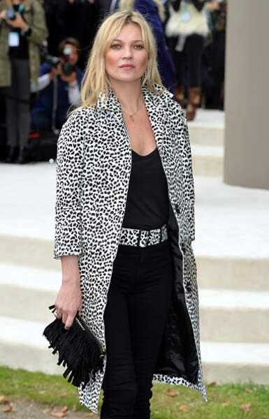 Do : Kate Moss et sa veste manteau léopard noir et blanc